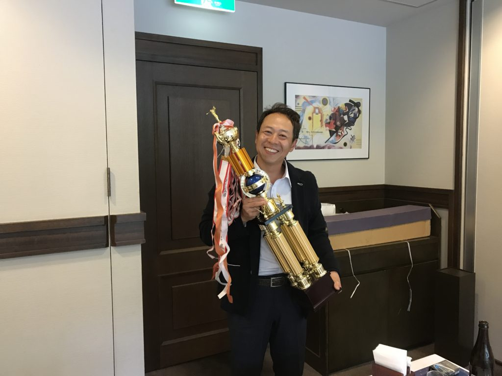 優勝者 錦山社長おめでとう